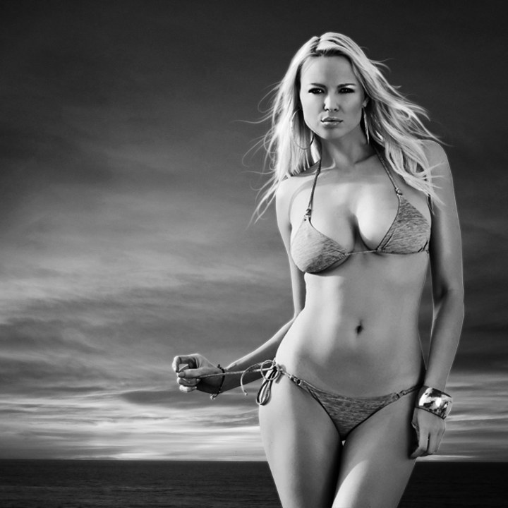 Irina Voronina : B&W Bikini Coversion